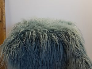 SHEEPSKIN ROUGH 65X90CM - AZURE BLUE